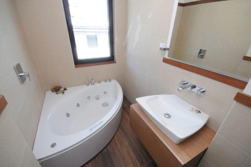 trendy-small-bathroom-ideas-modern-8763870