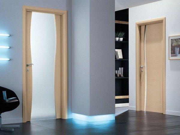 dveri-dlja-vannoj-i-tualeta-1-600x450-5218011