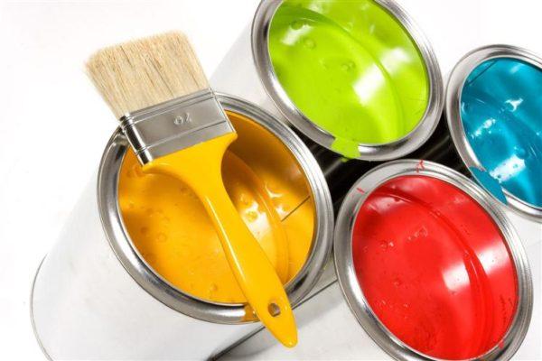 При работе с красками важно правильно хранить кисти