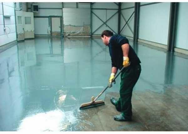 zhidkoe-steklo-v-stroitelstve-dlya-gidroizolyacii-primenenie-zhidkogo-stekla-dlya-gidroizolyacii-razlichnyx-konstrukcij-iz-betona-podvala-bassejna-pola-v-vannoj-i-drugix-4551188