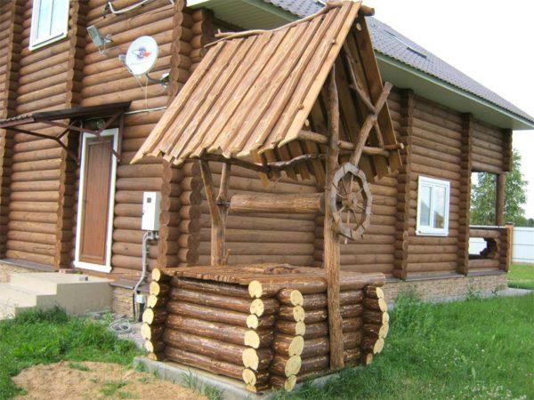 дом и колодец