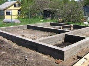 fundament-v-nol-300x225-1420135