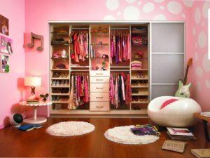 walk-in-closet-room-ideas-300x225-8877270