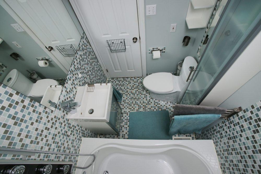 small-moderm-bathroom