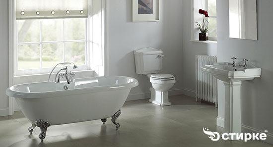 bathroom-1567017