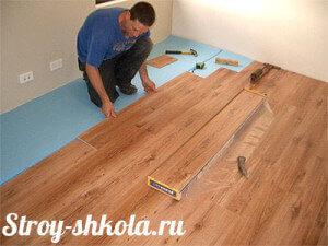 ukladka-laminata-na-derevyannyiy-pol-svoimi-rukami-300x225-6380669
