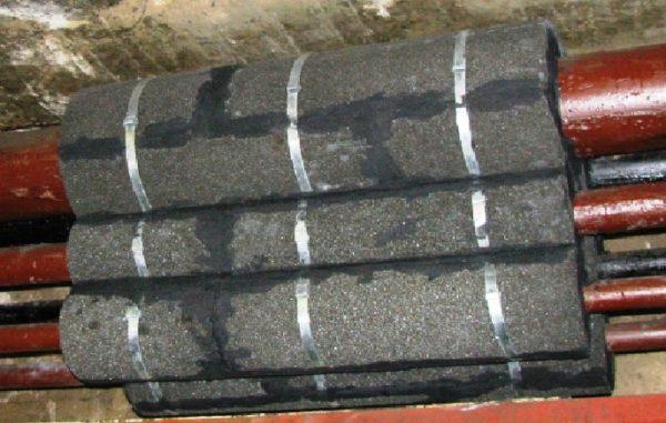 Теплоизоляция горячих труб фигурным пеностеклом может действительно окупиться, т.к его можно применять при температурах до 550°С без необходимости регулярной замены. Материал устойчив как к пару и воздуху, так и нефтепродуктам и маслам