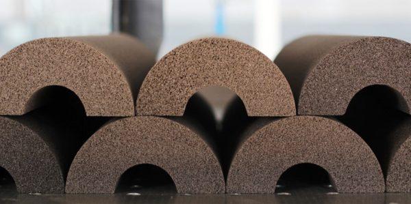 Благодаря разнообразной толщине и формфакторам плит и блоков можно выбрать индивидуальный вариант, режется пеностекло пилой для газобетона
