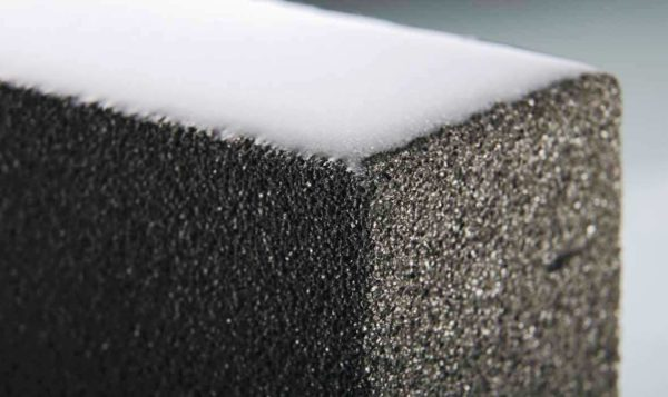 Тип пор в пеностекле влияет на теплосопротивление материала. Хорошо, когда стекло имеет замкнутые ячейки по 1-2 мм. Паропроницаемое пеностекло гораздо хуже по этому показателю