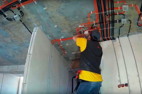 Сотрудничество с профессионалами гарантирует потребителю надежное электроснабжение и полную безопасность при эксплуатации электросетей
