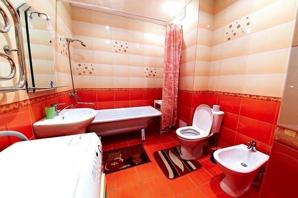 krasnaya-vannaya-dizain-7564453