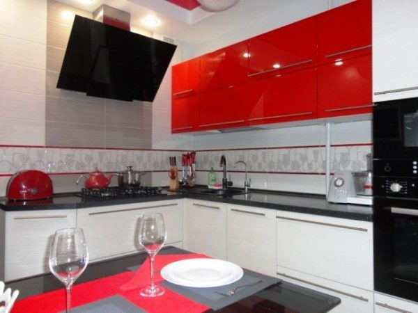 Кухня в стиле хай-тек 2