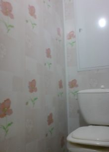 dizajn-tualeta-otdelannogo-plastikovymi-panelyami-19-7660745