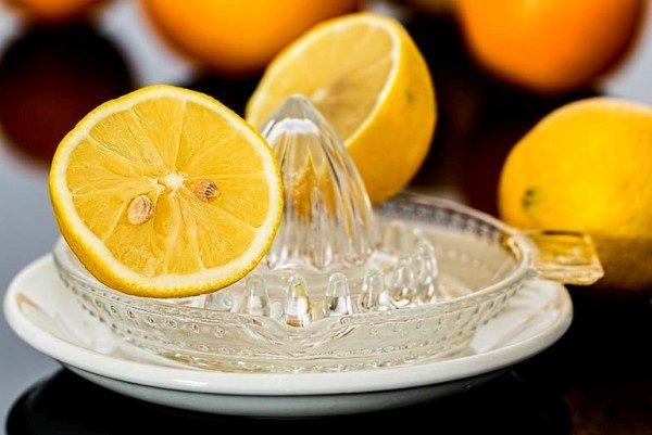 limon-izbavlyaet-ot-zapaxov-3229416