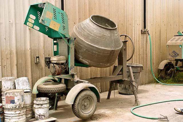 how-to-mix-concrete-1-2756815