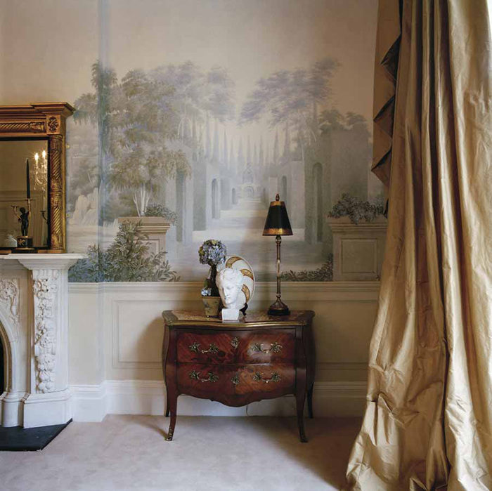 post_unique-decoration-wall-classic-style-and-furnituree-2120431