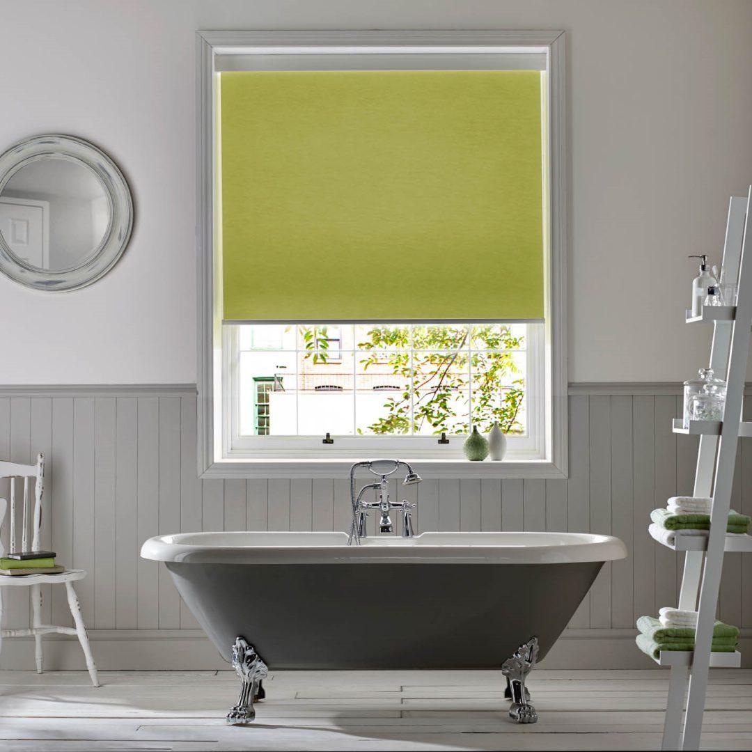 zelenye-rulonnye-shtory-v-interere-4203262