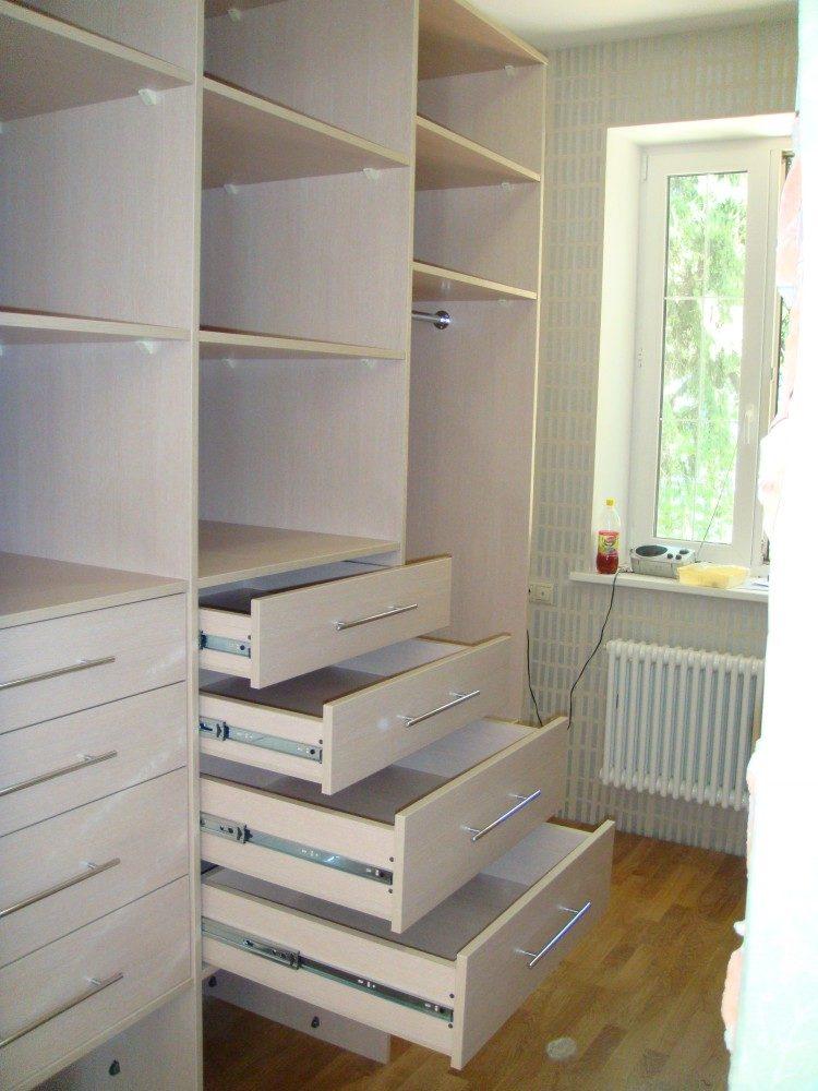 wardrobe-83-9815960