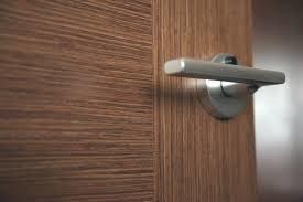 okleyka-dveri-plenkoy-5002100