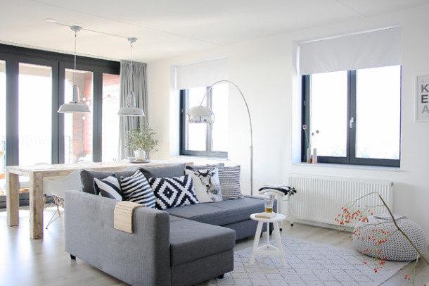contemporary-living-room3-610x406-2520219