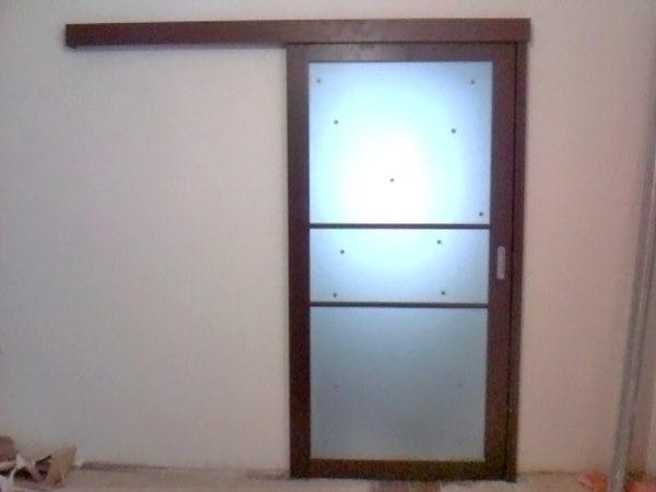 kak-ustanovit-razdvizhnuyu-dver-2734718