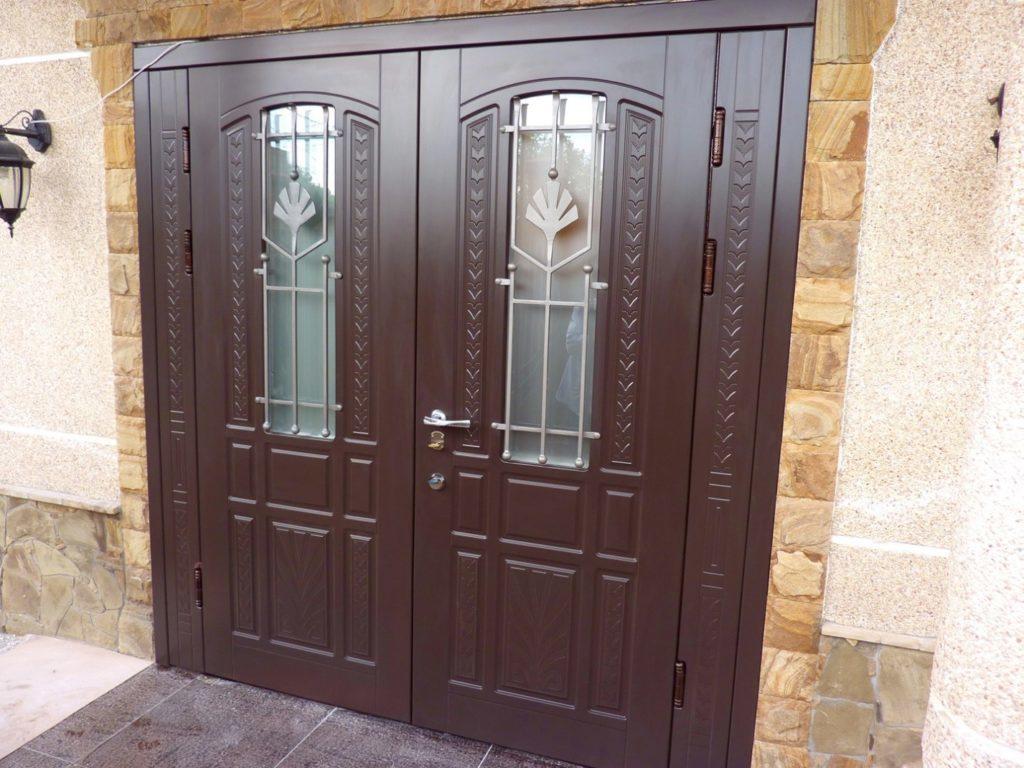 standartnyj-razmer-vhodnoj-dveri-v-dom-1024x768-4273849