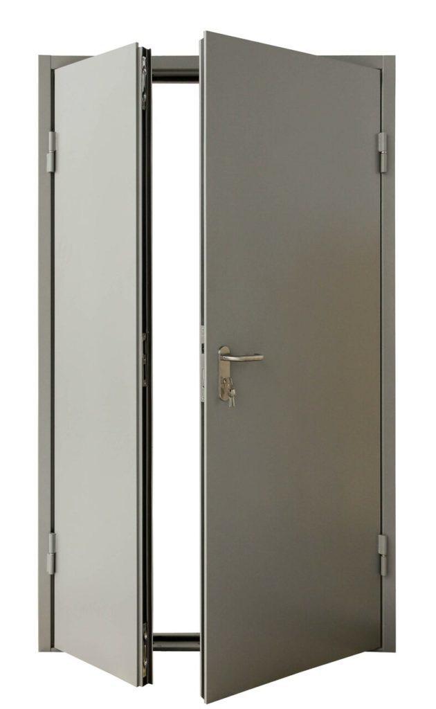 vysota-vhodnoj-dveri-v-chastnom-dome-630x1024-7779631