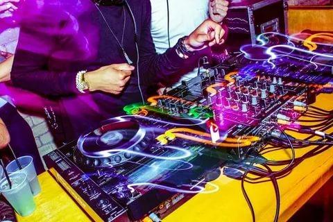 Музыка для вечеринки как выбрать