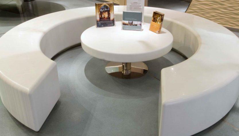 Акриловая мебель для офиса
