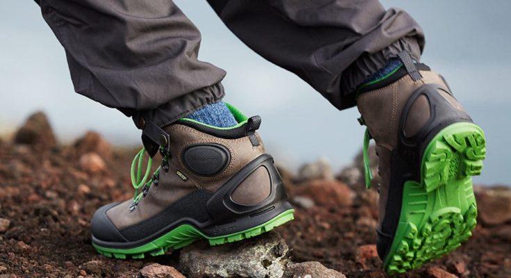 Треккинговые ботинки